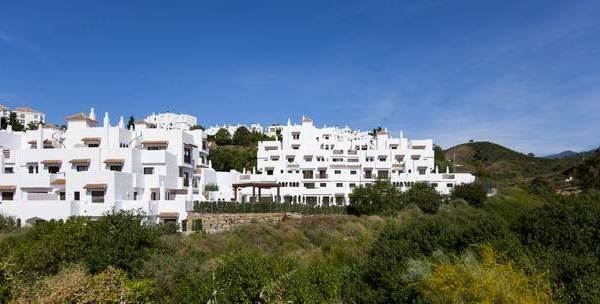 Modern Apartment for sale in New Golden Mile, Estepona