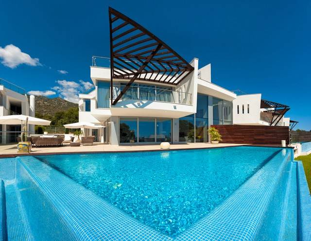 Luxury houses for sale in sierra blanca marbella - Luxury homes marbella ...