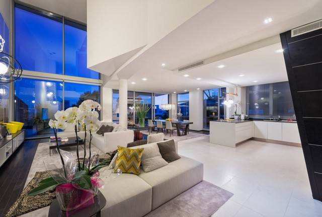 Luxury Houses For Sale In Sierra Blanca, Marbella