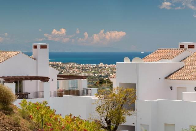 New luxury apartment for sale in elviria marbella - Iproperty marbella ...