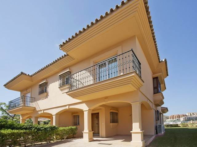 Quality townhouse for sale in riviera del sol mijas costa - Iproperty marbella ...