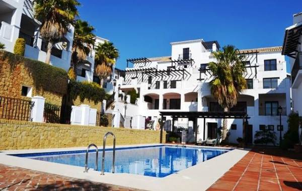 New Apartments for Sale in Los Monteros Alto