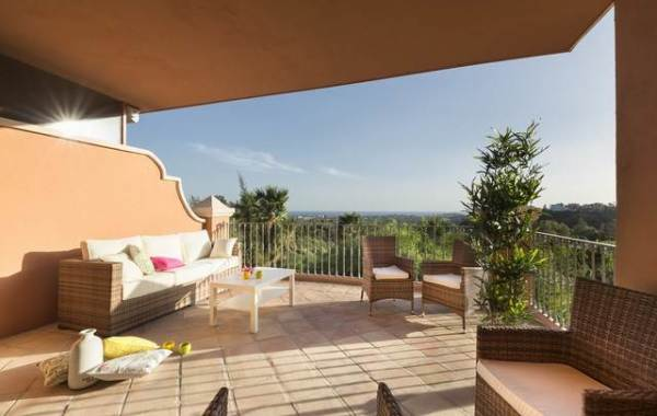 Exclusive Luxury Apartment for Sale in Benahavís